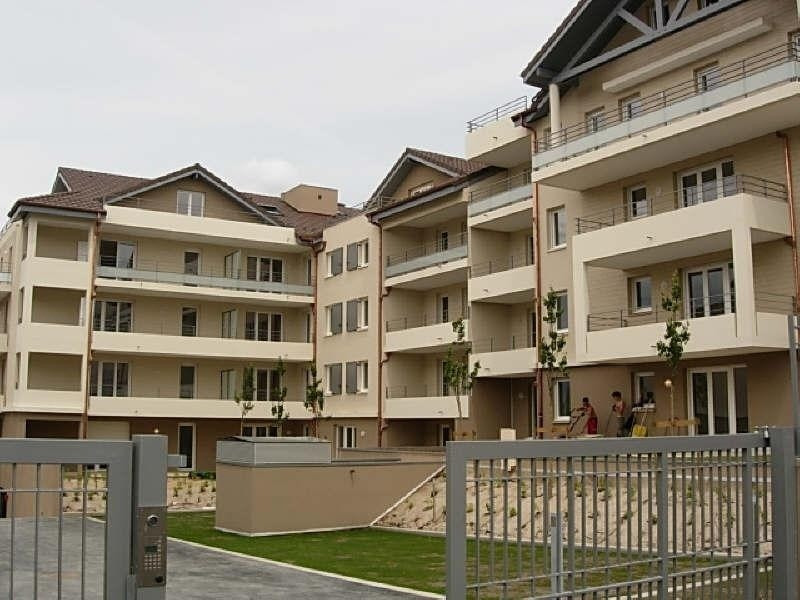 Rental apartment Ville la grand 1109€ CC - Picture 1