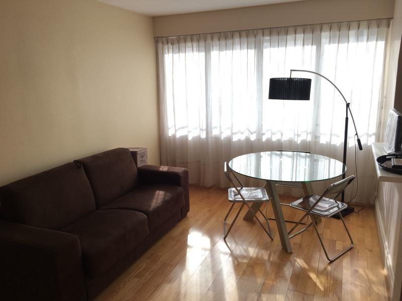 Location appartement Paris 16ème 1590€ CC - Photo 2