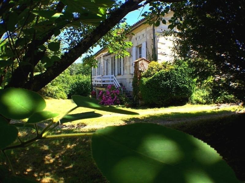 Sale house / villa Montguyon 260000€ - Picture 1