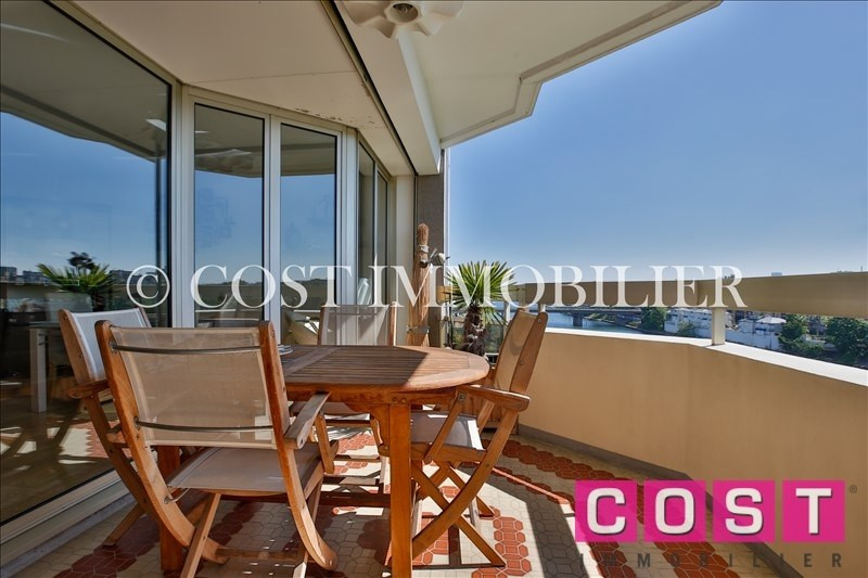 Deluxe sale apartment Courbevoie 1 050 000€ - Picture 1