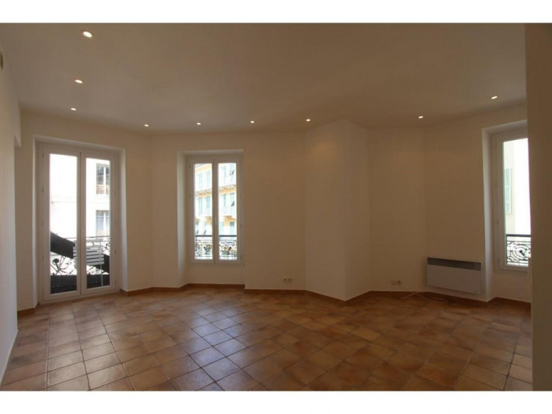 Location appartement Nice 706€ CC - Photo 1