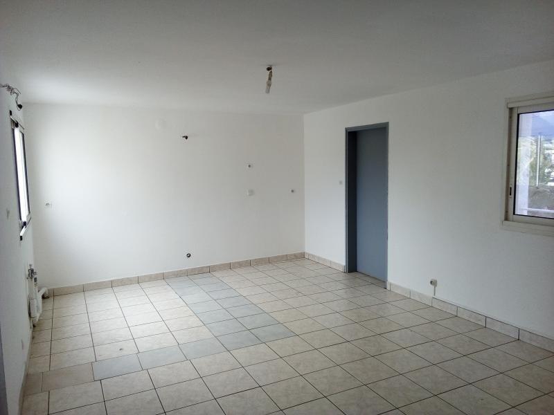 Rental empty room/storage St pierre 3000€ HT/HC - Picture 1