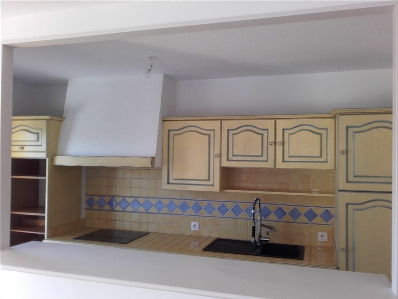 Location appartement Aix en provence 840€ CC - Photo 4