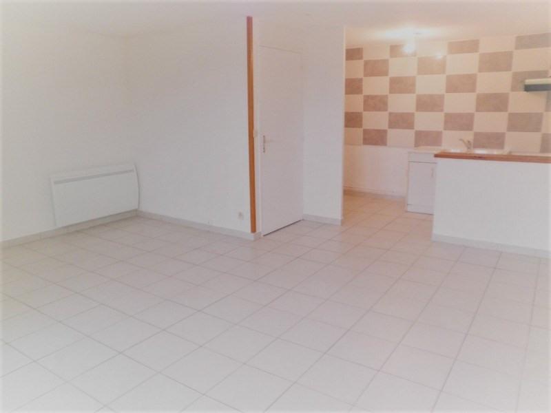 Rental apartment St jean de bournay 520€ CC - Picture 3