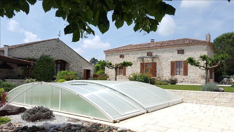 Deluxe sale house / villa Prayssas 341250€ - Picture 1