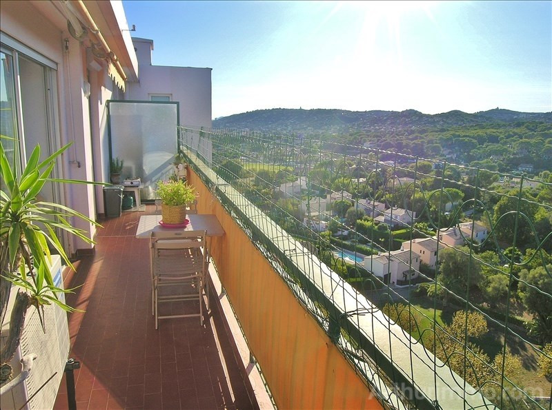 Sale apartment Antibes 220 000€ - Picture 2