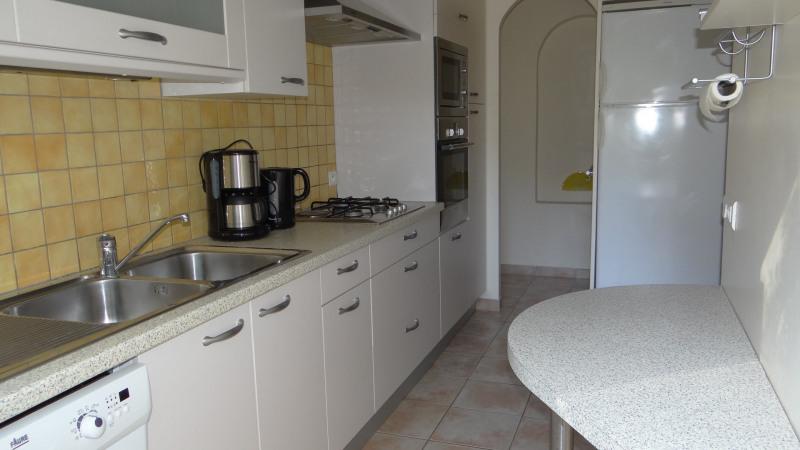 Vacation rental house / villa Cavalaire sur mer 1800€ - Picture 9