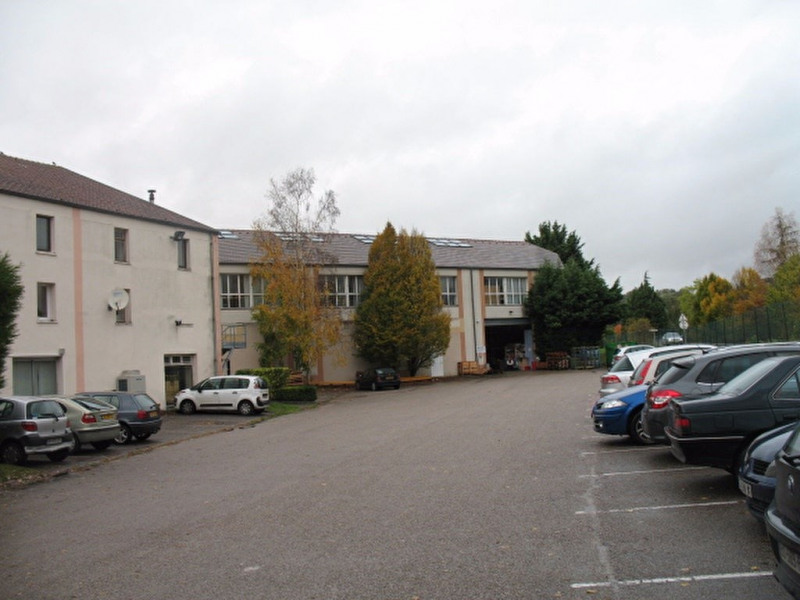 Location Local d'activités / Entrepôt Feucherolles 0