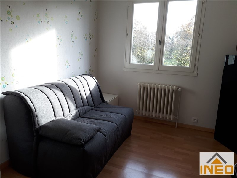 Location maison / villa Montreuil le gast 825€ CC - Photo 8