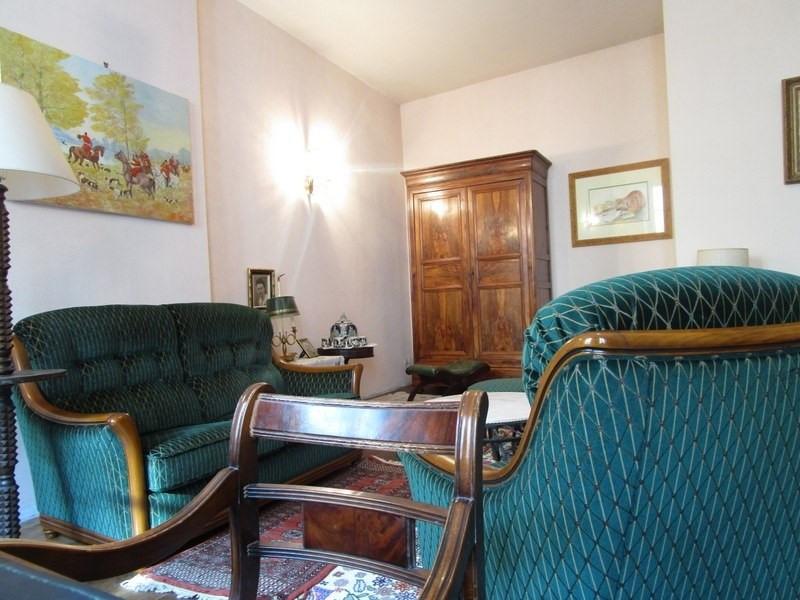 Sale house / villa Montendre 220000€ - Picture 2