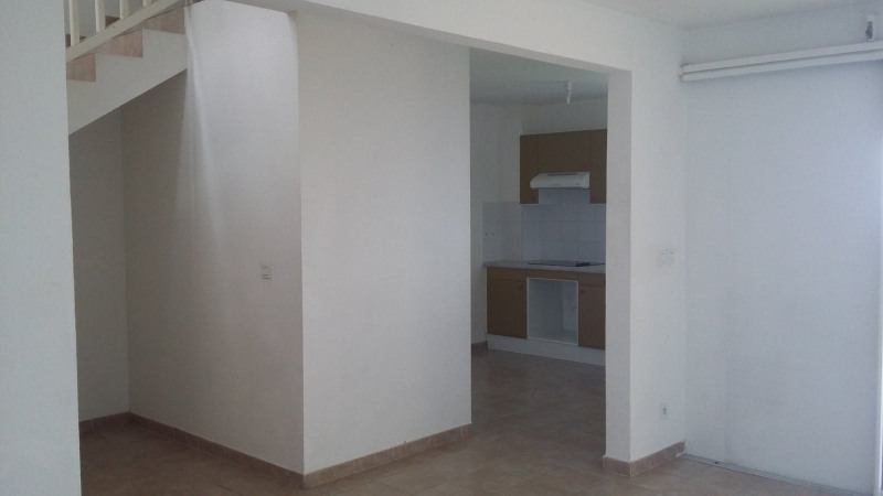 Location appartement Gourbeyre 800€ CC - Photo 7