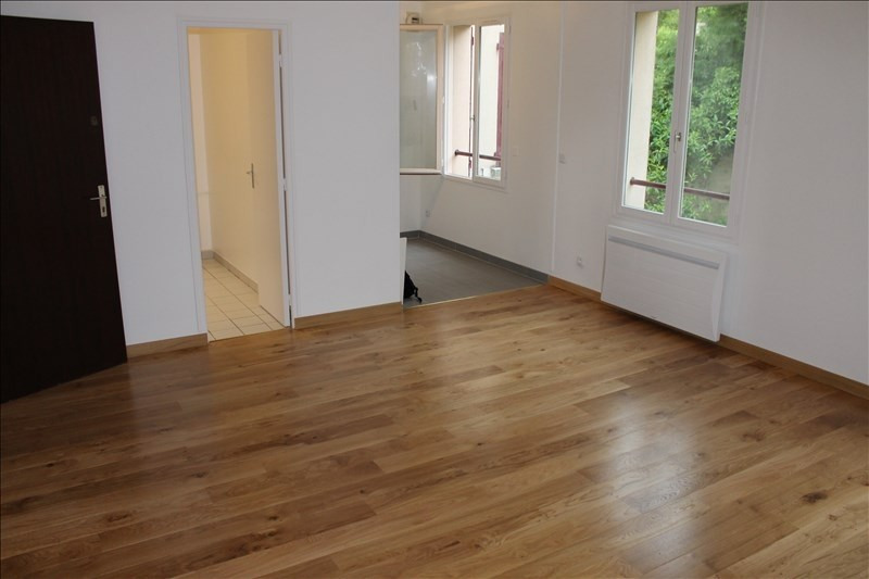 Rental apartment Osny 630€ CC - Picture 1