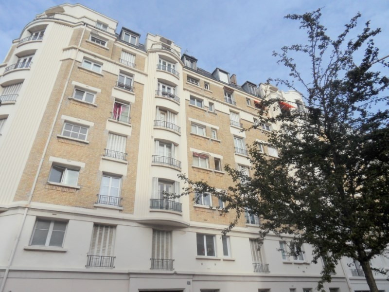 Rental apartment Courbevoie 1 006€ CC - Picture 2