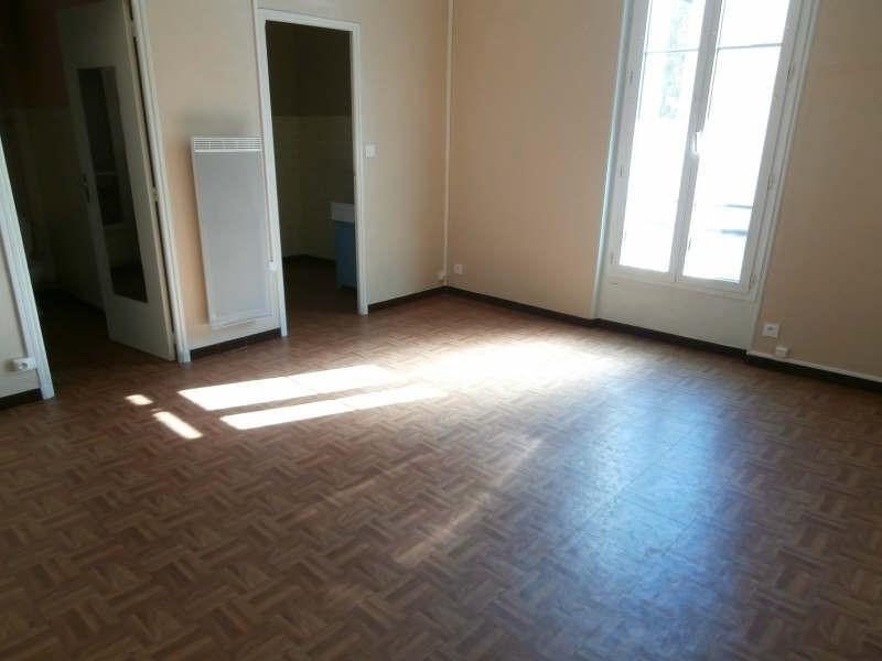 Location appartement Salon de provence 373€ CC - Photo 1