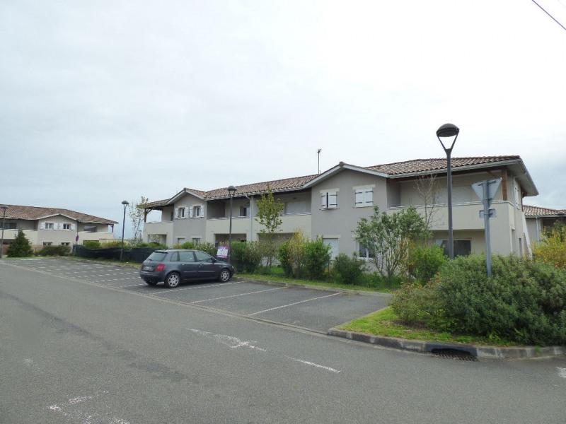 Rental apartment Montussan 571€ CC - Picture 2