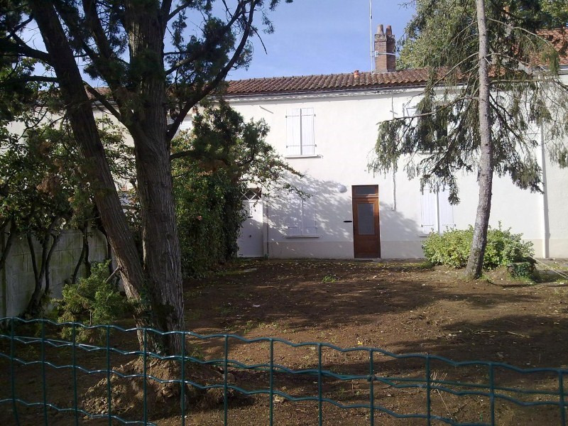 Location maison / villa Sainte pazanne 605€ CC - Photo 1