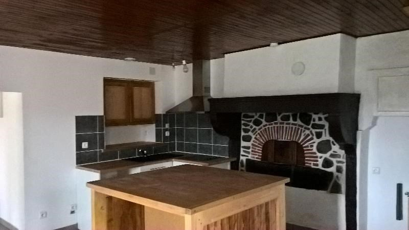 Location maison / villa Saint nizier d'azergues 700€ CC - Photo 1