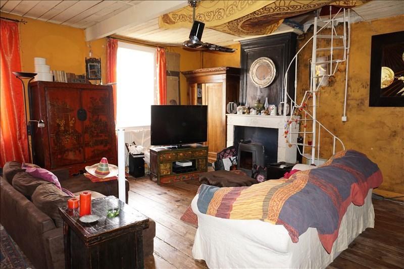 Sale house / villa Prignac et marcamps 97000€ - Picture 1
