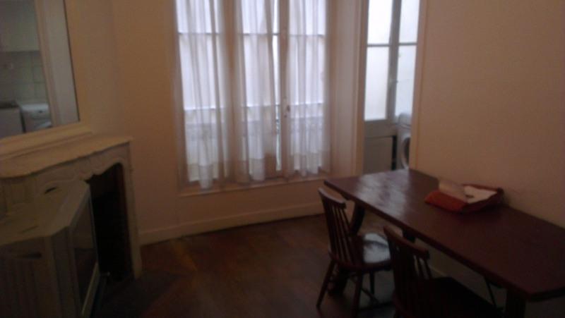 Location appartement Paris 4ème 1200€ +CH - Photo 3
