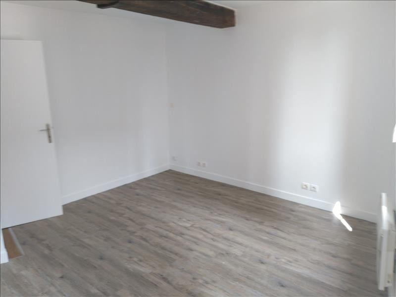 Location appartement Pontoise 840€ CC - Photo 4