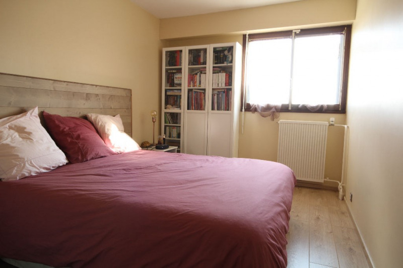 Sale apartment Le mesnil le roi 310 000€ - Picture 4