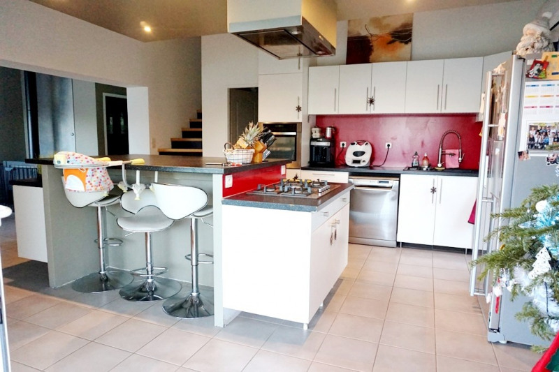 Vente maison / villa Les milles 329000€ - Photo 4