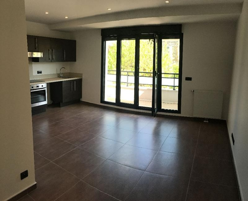 Sale apartment Gagny 135000€ - Picture 1