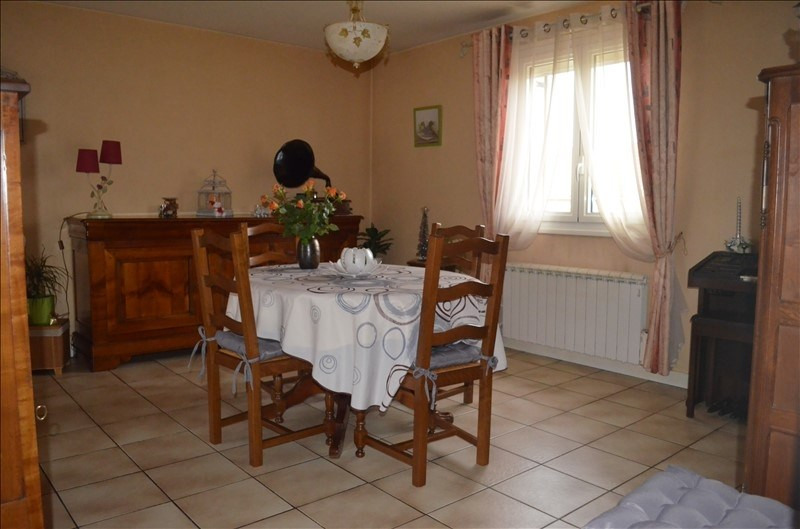 Sale house / villa Merceuil 208 000€ - Picture 4