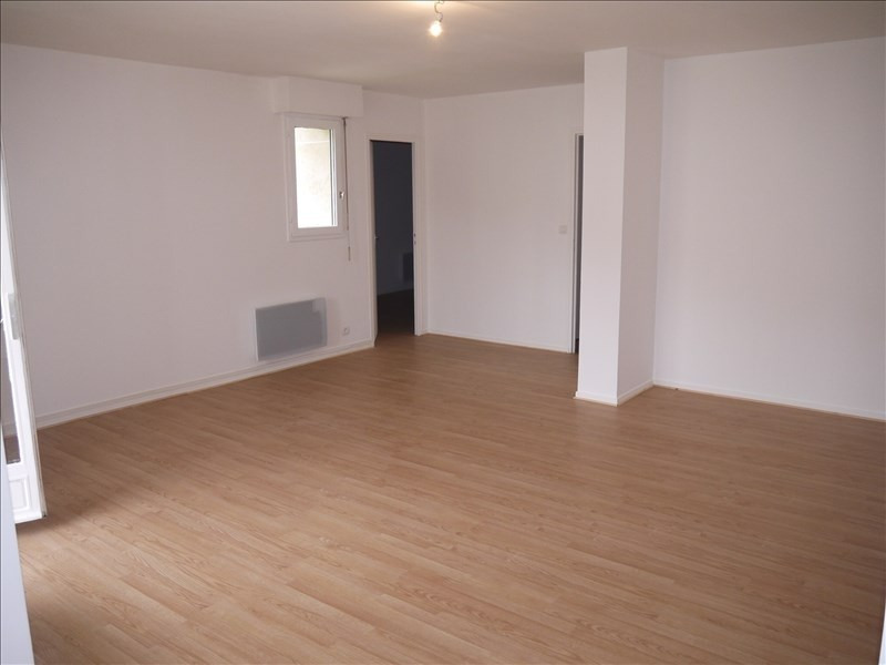 Rental apartment Andresy 788€ CC - Picture 2