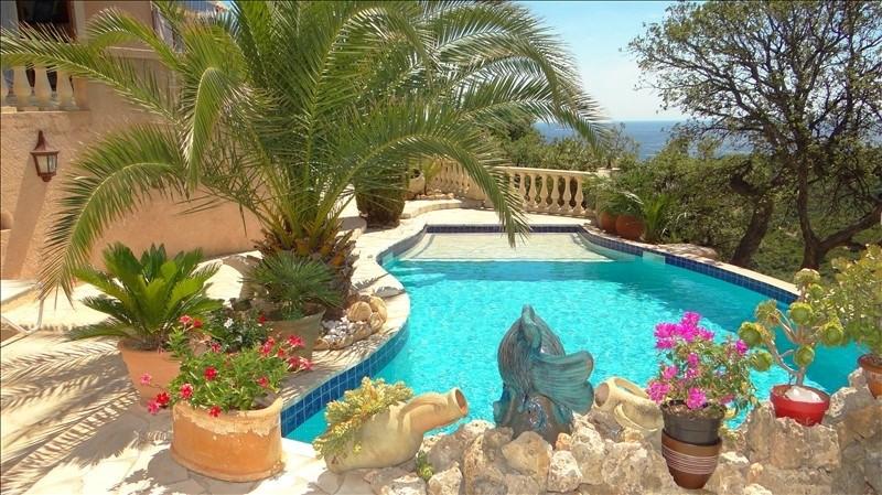Deluxe sale house / villa Cavalaire sur mer 997000€ - Picture 2