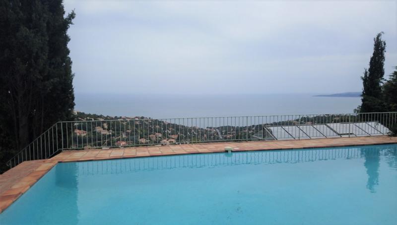 Rez de villa 6 personnes piscine magnifique vue mer