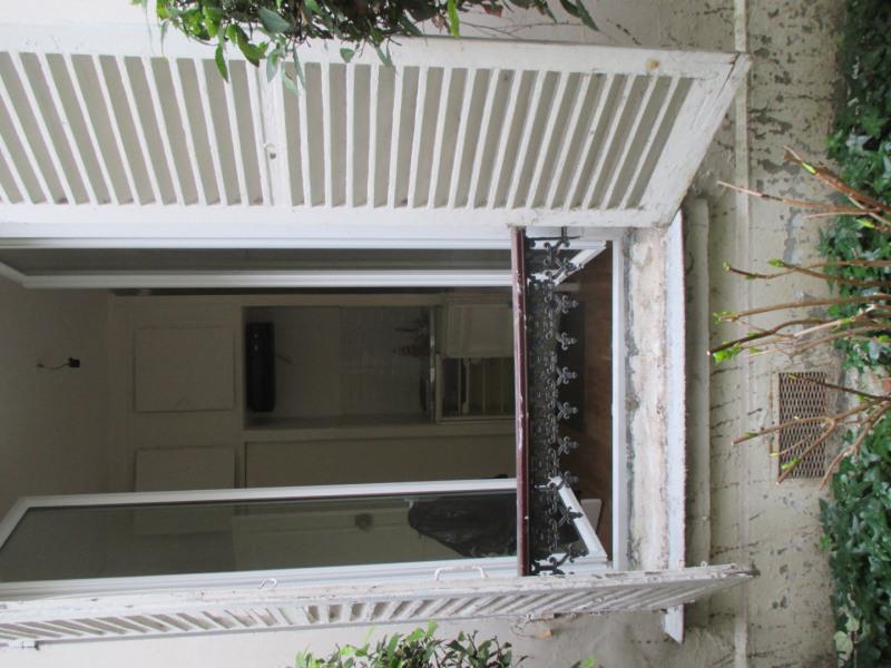 Location appartement Paris 7ème 620€ CC - Photo 1