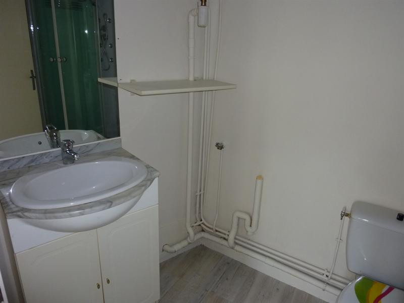 Location appartement Saintes 296€ CC - Photo 3