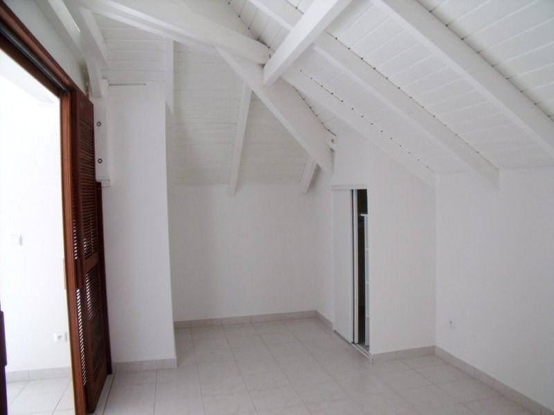 Rental apartment St claude 522€ CC - Picture 3