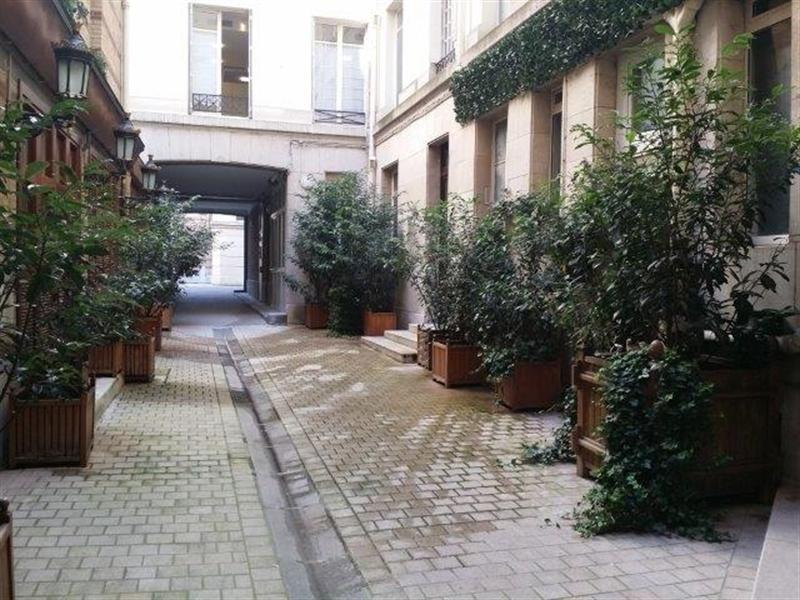 Location appartement Paris 8ème 2800€ CC - Photo 4