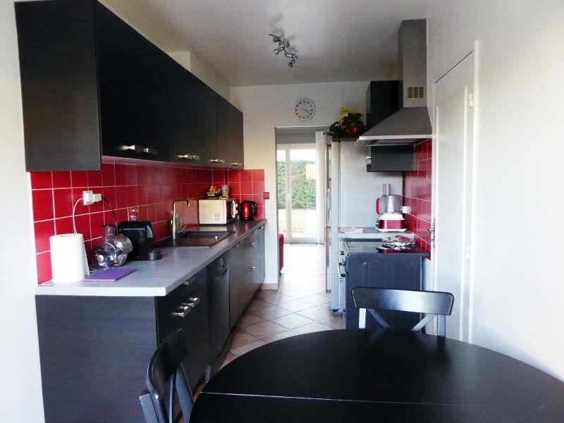 Sale house / villa Elancourt 376000€ - Picture 2