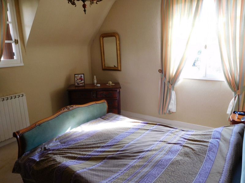 Sale house / villa Grainville 232000€ - Picture 6