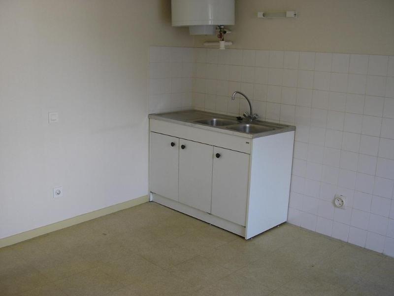 Rental apartment St martin du fresne 231€ CC - Picture 2