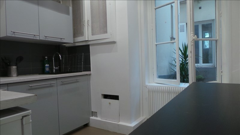 Rental apartment Paris 13ème 1 402€ CC - Picture 2