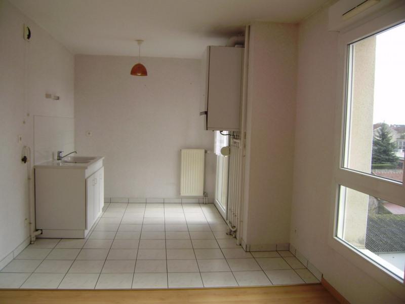 Rental apartment Châlons-en-champagne 395€ CC - Picture 5