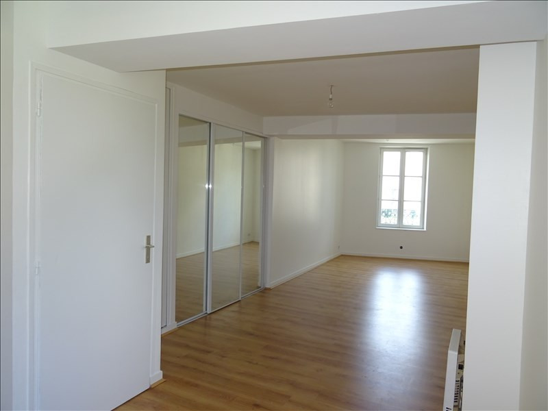 Rental apartment Le port marly 572€ CC - Picture 1