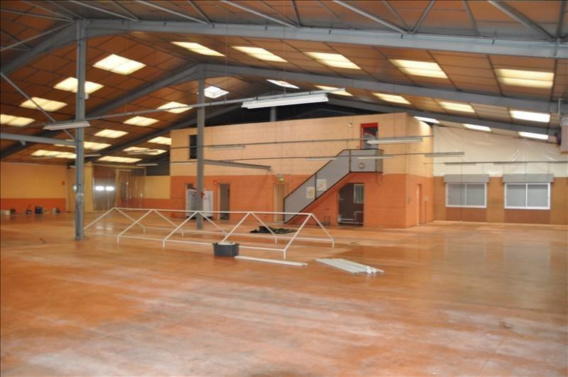 Location local commercial Moneteau 4000€ +CH/ HT - Photo 3