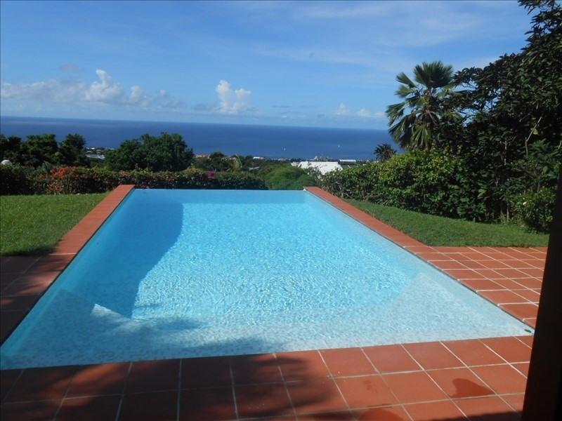 Sale house / villa St claude 397000€ - Picture 2