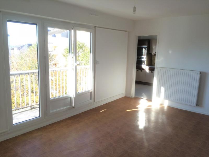 Rental apartment Taverny 982€ CC - Picture 2