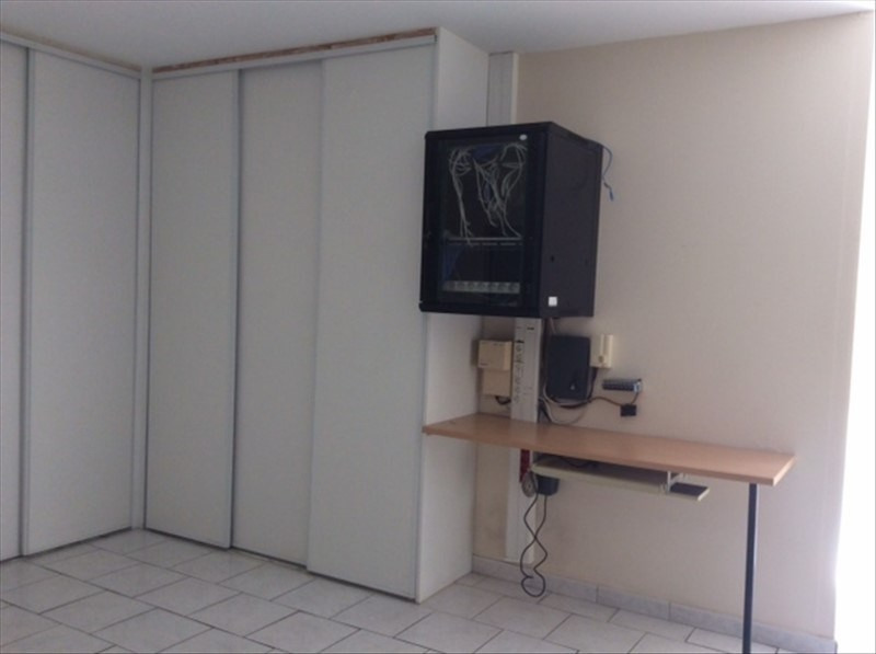 Location local commercial Cholet 2200€ HT/HC - Photo 5