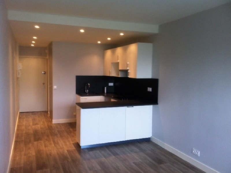 Rental apartment Poissy 658€ CC - Picture 1