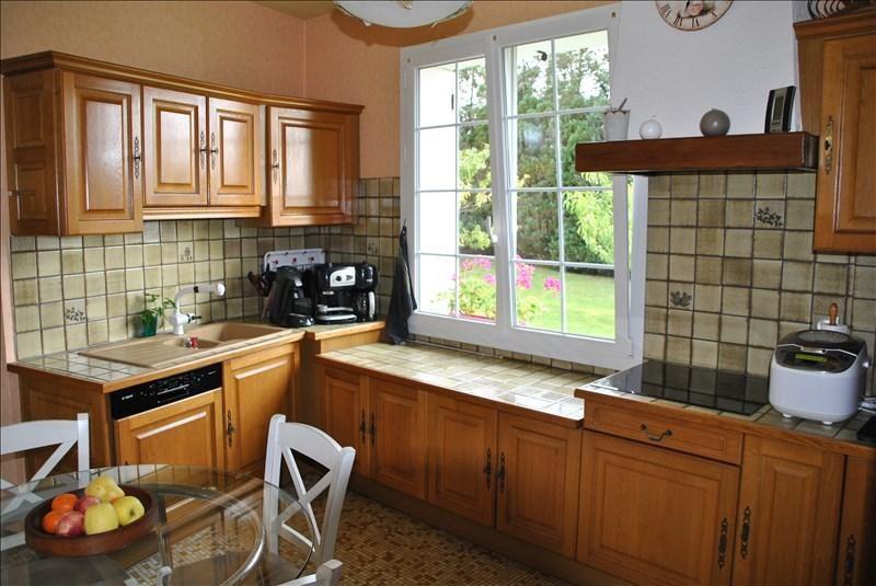 Sale house / villa Montereau fault yonne 349650€ - Picture 5