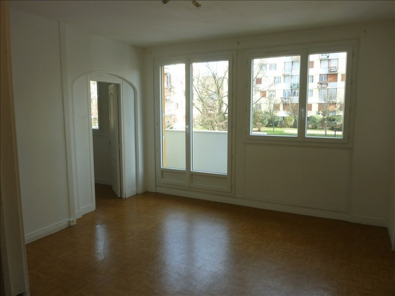 Sale apartment Poissy 161 000€ - Picture 1