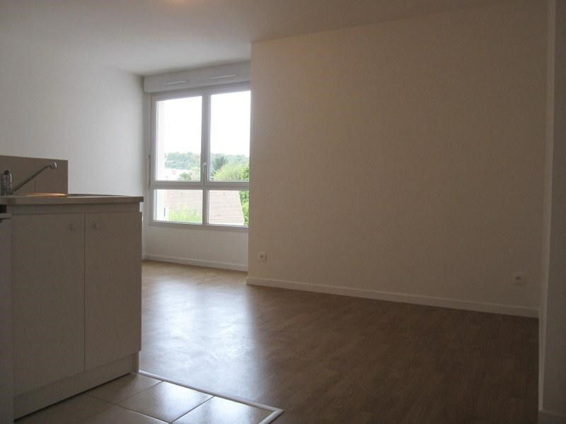 Location appartement Saint-cyr-l'école 710€ CC - Photo 1