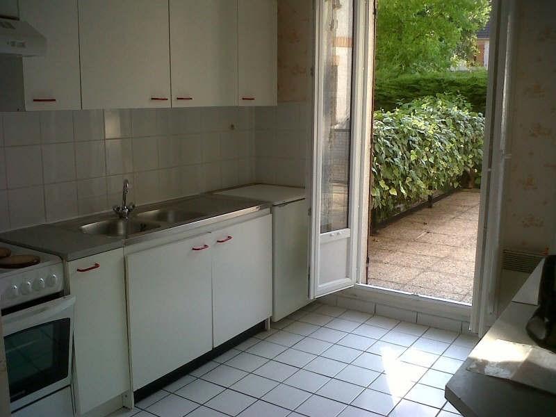 Rental apartment Montigny le bretonneux 898€ CC - Picture 2